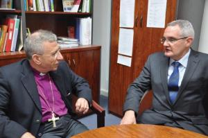 Bishop Younan (left) met with Rev Prof Andrew Dutney to talk about the road to peace for the people of Palestine.