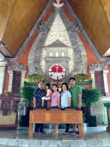 Rev Ciptamartalu Sapangi (left) with his daughters, Felicia and Rachel, his wife, Dwi  and son, Kenneth.
